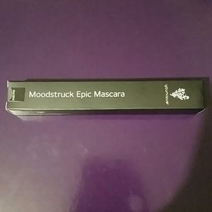 Sealed in box Moodstruck Epic Mascara in Black